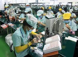 Đơn hàng Điện tử làm ĐÀI VIÊN thao tác máy sản xuất – tuyển nữ cả đi lại