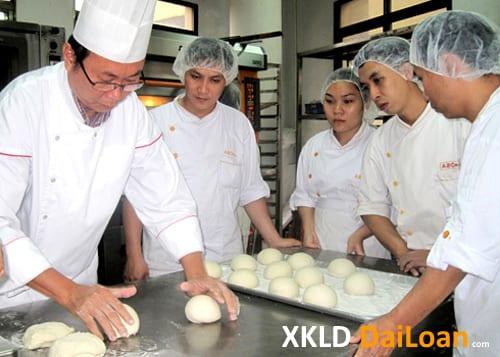Tuyển nam làm bánh ngọt tại nhà máy thực phẩm XKLD Đài Loan