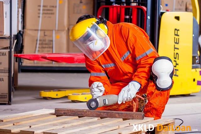 cần gấp 5 lao động nam làm tiện CNC